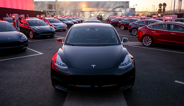 Model3FirstDeliveries600w